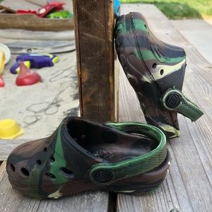 Skechers Army Fatigue Camouflage Crocs styled 4